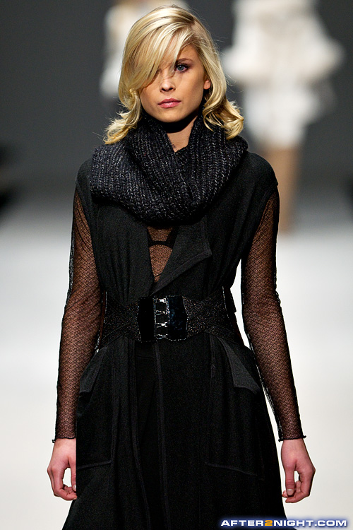 Next image from LG Toronto Fashion Week, Fall/Winter 2009-2010: Lundstrom Fashion Show