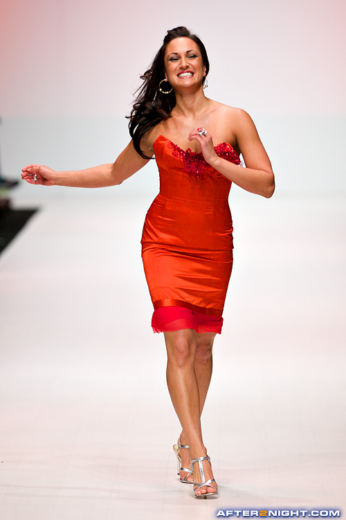 Next image from LG Toronto Fashion Week, Fall/Winter 2009-2010: Heart     Truth Fashion Show