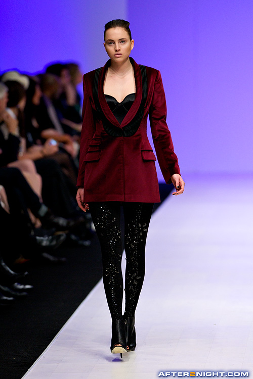 Next image from LG Toronto Fashion Week, Fall/Winter 2009-2010: Andy The-Anh Fashion Show