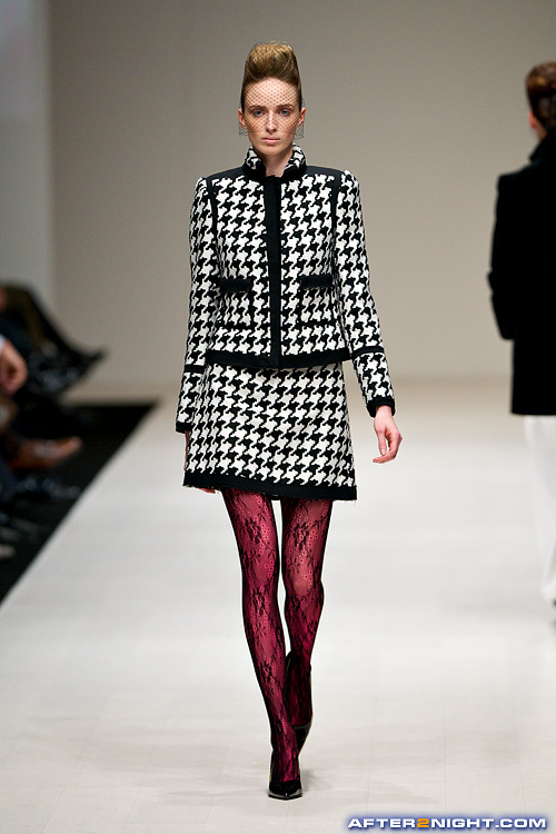 Next image from LG Toronto Fashion Week, Fall/Winter 2009-2010: Pink Tartan Fashion Show