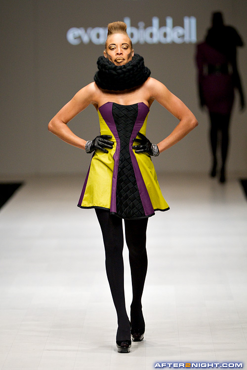 Next image from LG Toronto Fashion Week, Fall/Winter 2009-2010: Evan Biddell Fashion Show